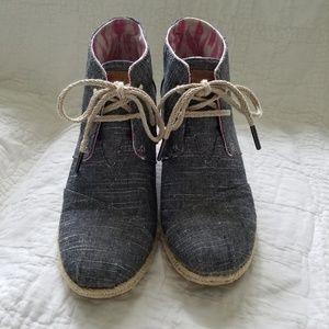 TOM Black Wedge Shoes - Women's 8